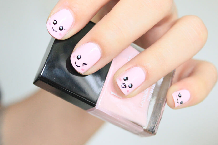 - Kawaii Nail Art