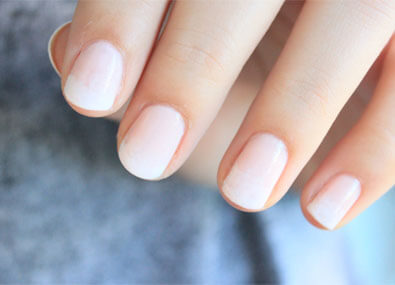 New-Way-To-Make-French-Manicure